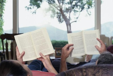 couple-reading-books.jpg